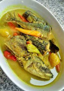 Resep Pesmol Ikan Kembung Bumbu Kuning Enak | Amelia Catering dotnet
